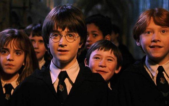 Дахин нээлтээ хийсэн Харри Поттерын ашиг тэрбум доллар давлаа