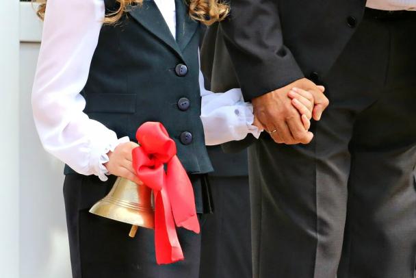 Есдүгээр сарын 1-нд эцэг эхэд цалинтай амралт өгөх санал гаргав