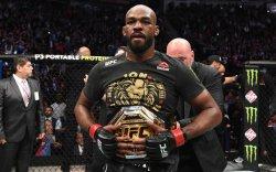UFC: Хагас хүнд жингийн аварга Жон Жонес жингээ орхилоо