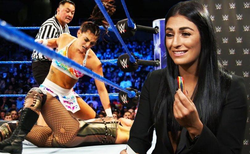 WWE-ын од Соня Девиллийг барьцаалахыг завджээ