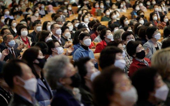 Христийн сүмүүд Өмнөд Солонгост халдварын тархалтыг сэргээв