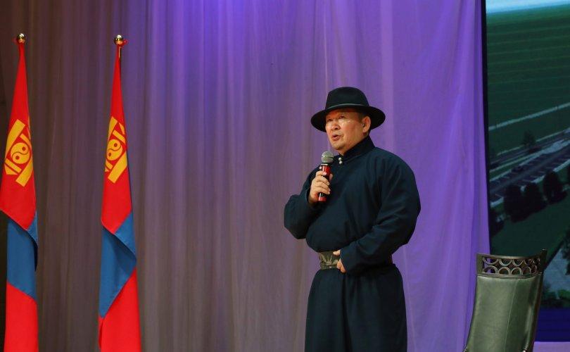 Ерөнхийлөгч Завхан, Увс, Баян-Өлгий аймгийн иргэдтэй уулзана