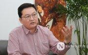 Б.Лхагважав: Нам хөөсөн бацаанууд улсаа дампууруулж байна