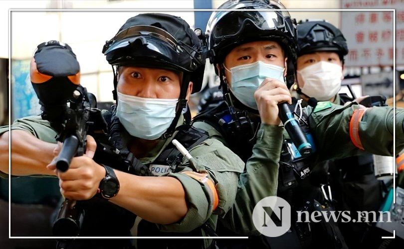 Хонгконг: Сонгууль хойшилсныг эсэргүүцсэн жагсаалын үеэр 300 хүн баривчилжээ