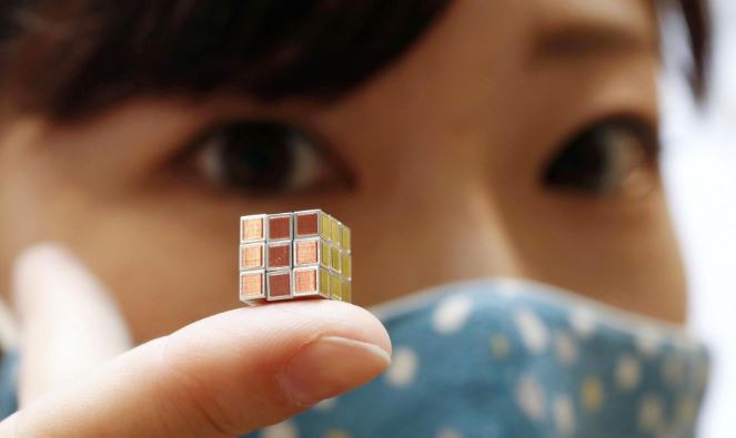Видео: Дэлхийн хамгийн жижиг рубикийн шоо 9.9 мм