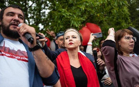 Беларусийн сөрөг хүчний удирдагчийг хулгайлжээ