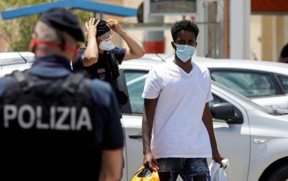Итали: Шаардлагагүй газар маск зүүсэн хүнийг шийтгэнэ