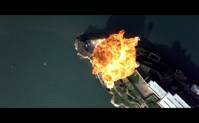 БНХАУ зэвсгийн сүр хүчээ гайхуулсан бичлэгт Холливудын киноны хэсэг ашиглажээ