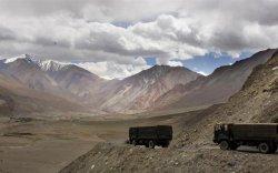 Энэтхэгийн арми Хятадын хил дээр зэвсгээ нөөцөлж эхлэв