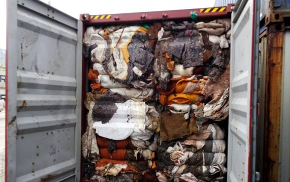 Их Британи руу 260 тонн хогийг буцаан илгээжээ
