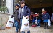 Сири хүүхдүүдэд сансрын нисэгчдийн хоолыг бэлэг болгон өгчээ