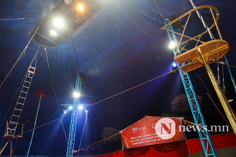 Майхан цирк дээр циркчид мэдээлэл хийж байна 80 жил (11 of 20)