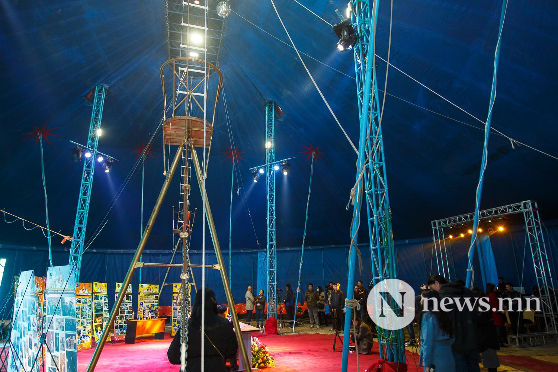 Майхан цирк дээр циркчид мэдээлэл хийж байна 80 жил (12 of 20)