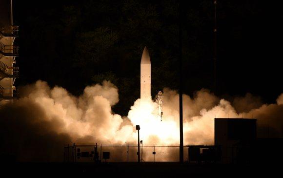АНУ-ын бүтээсэн дуунаас хурдан пуужин байнаасаа 15 см зөржээ