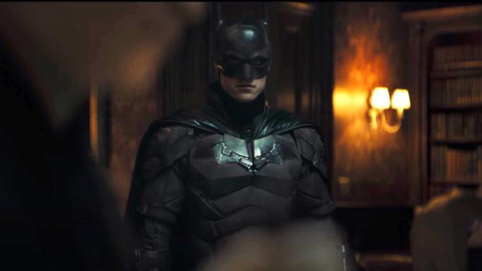 Бэтмэн киноны нээлт 2022 он хүртэл хойшиллоо