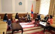 Л.Энх-Амгалан НҮБ-ын Хөгжлийн хөтөлбөрийн суурин төлөөлөгч Илейн Конкиевичтой уулзлаа