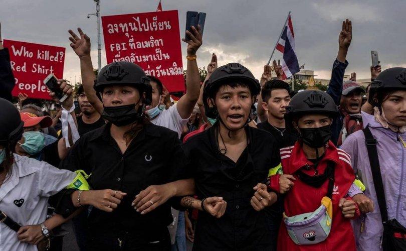 Тайландчууд: Бид эцсийн мөч хүртэл тэмцэнэ