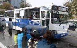 Ачаалал ихтэй зогсоолуудаас автобусны тоог нэмэгдүүллээ