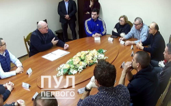 Лукашенко хоригдож буй сөрөг хүчнийхэнтэй уулзав