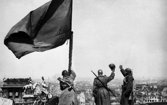 ЗХУ-ыг Гитлерийн Германтай харьцуулахыг хориглоно