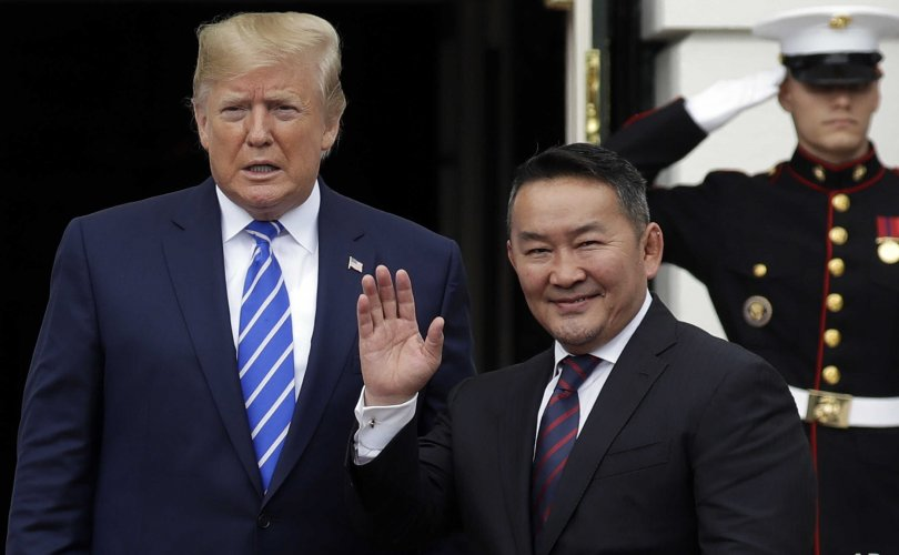 Азийн улсуудаас Монголд Трампын нэр хүнд хамгийн өндөр байна