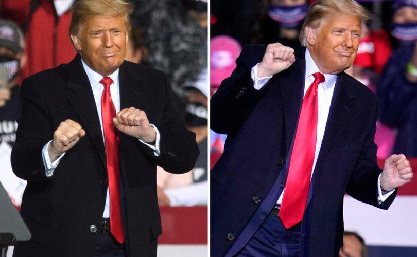 Дональд Трампын бүжиг цахим сүлжээг давалгаалуулж байна