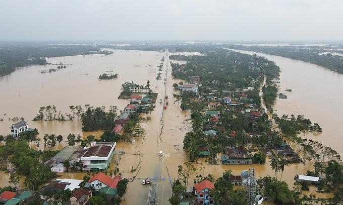 Вьетнамд үерийн улмаас нас барагсдын тоо 100 давжээ