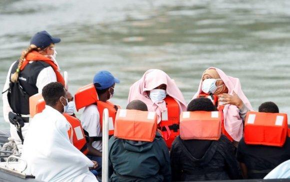 Их Британи хууль бус дүрвэгч, цагаачдыг хүлээж авахгүй