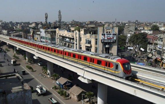Пакистан анхны метрогоо үйлчилгээнд гаргалаа