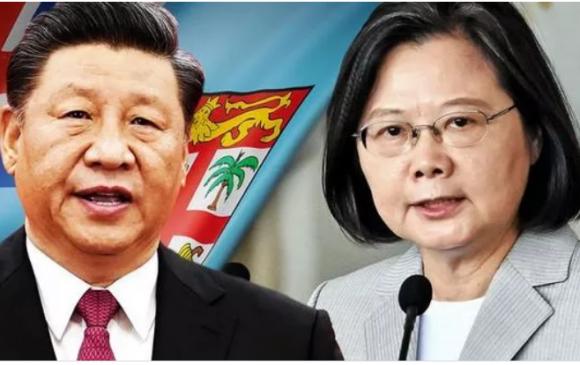 Хятад Тайванийн дипломатууд гар зөрүүлжээ
