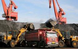 Хятадын эрх баригчид Австралиас нүүрс авахаа зогсоох чиглэл өгсөн гэв