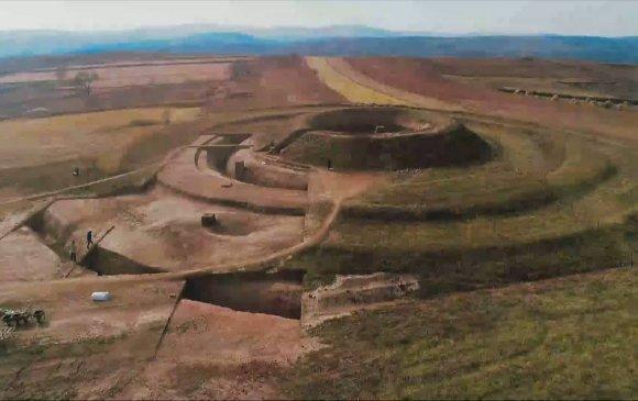 Өвөр Монгол: 1500 жилийн өмнөх хаадын мөргөлийн талбайг илрүүлжээ