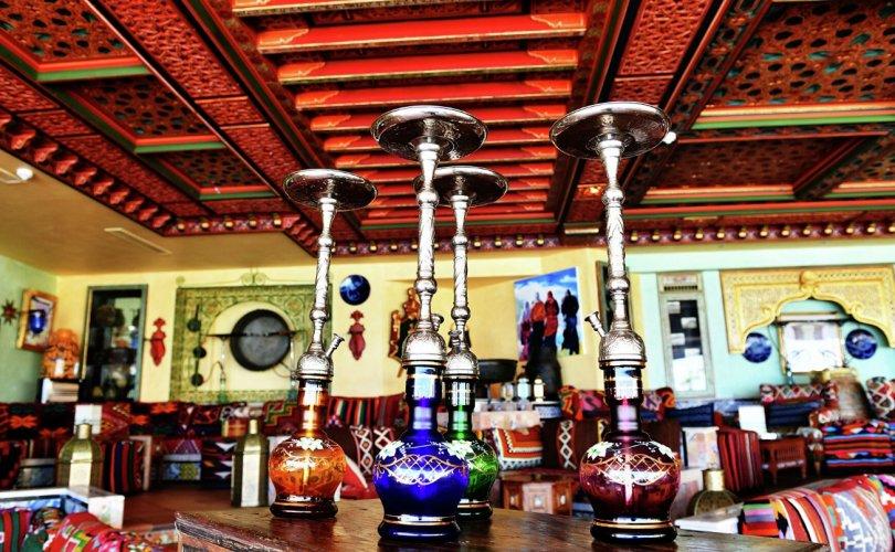 Оросын ресторануудад усан тамхи татахыг хориглолоо