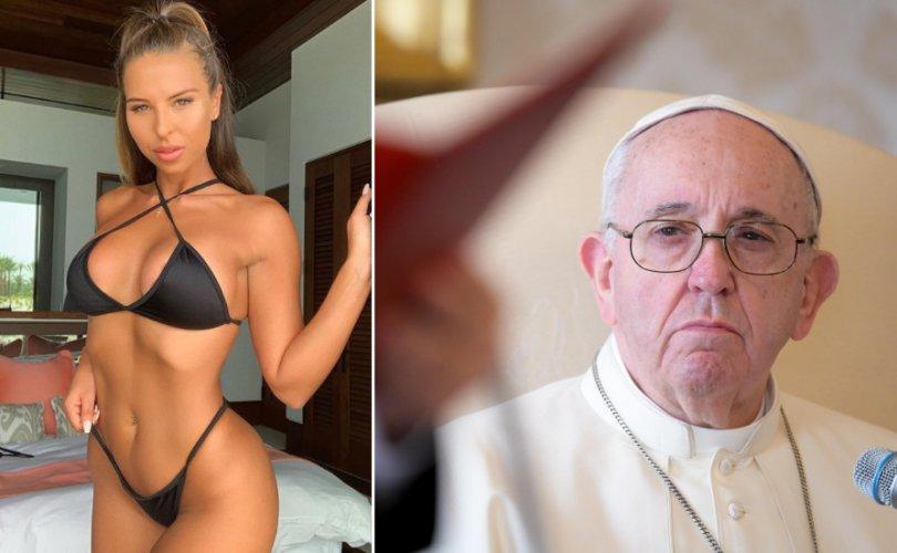 """Пап лам Францис бикини моделийн зураг дээр """"зүрх"""" дараад баригдав"""