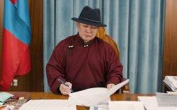 Ерөнхийлөгч хөл хорионы үед монгол бичгээ сурахыг уриалав