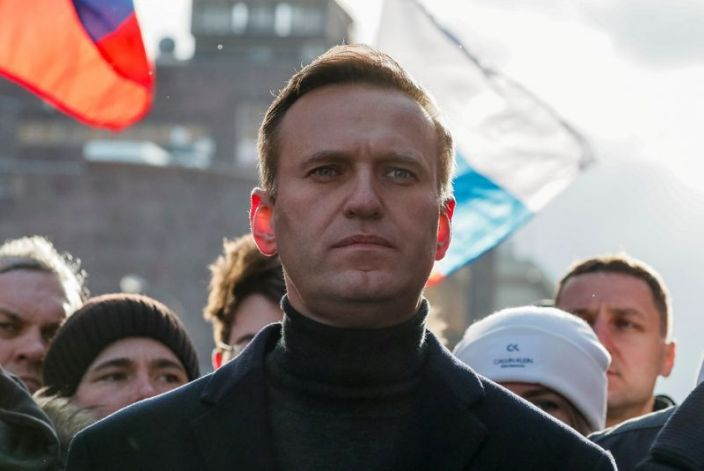 ОХУ Навальныйг яаралтай ирэхгүй бол шоронд хийнэ