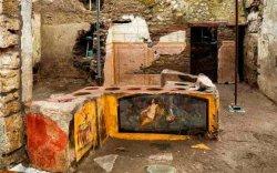 Италид 2000 жилийн өмнөх түргэн хоолны газрыг илрүүлжээ