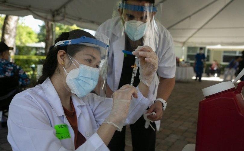 Covid-19-өөс сэргийлэх вакцин тариулсан сувилагч халдвар авчээ