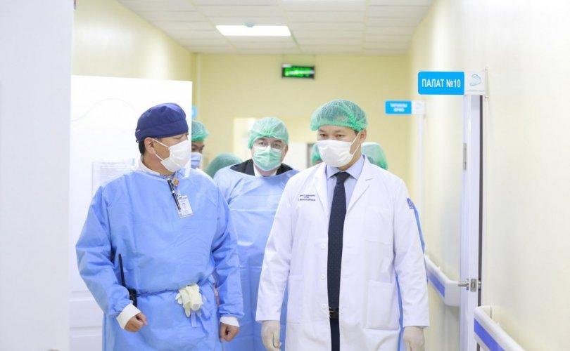 Эмнэлгүүдэд нэмэлт 175 амьсгалын аппарат хүлээлгэн өглөө