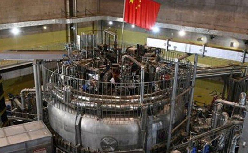 """БНХАУ """"Хиймэл нар"""" реактороо анх удаа асаалаа"""