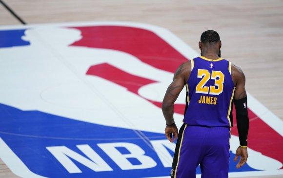 NBA: Леброн гэрээгээ сунгаж, тамирчдын 8.8 хувь нь халдвар авчээ