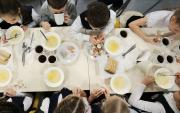 Сурагчдын дуртай хоол нь борш, пицца, котлет
