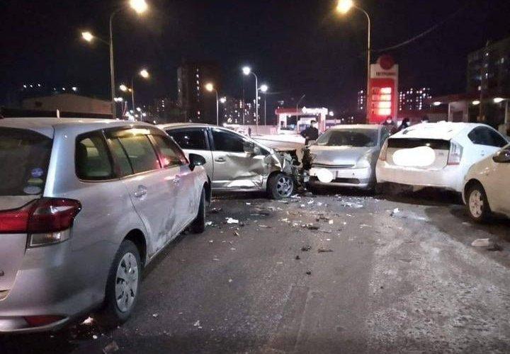 Согтуу жолооч дөрвөн машин мөргөжээ