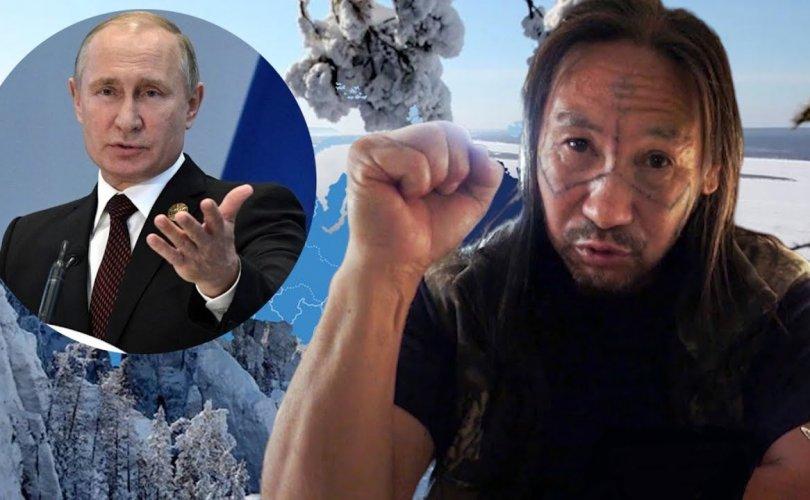 """Якут бөө цагаан морь хөлөглөн """"Путиныг зайлуулах"""" аялалдаа гарна"""