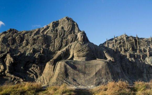 Энх цаг ирэхээр үзэсгэлэнт сайхан Өвөр Монголыг зорино, би