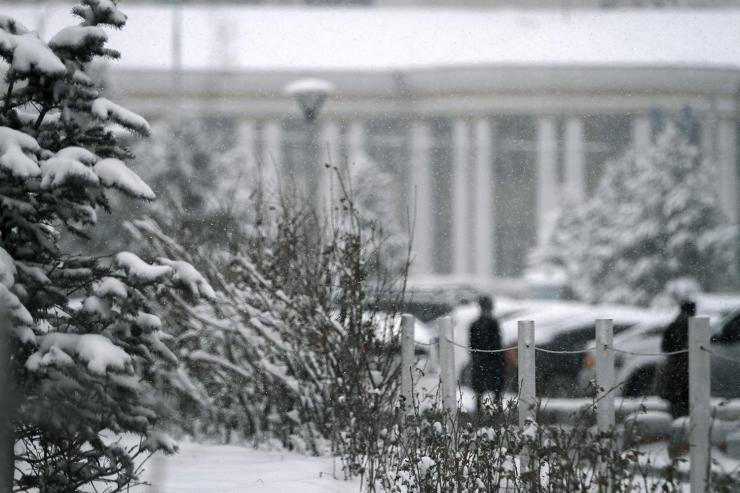 Сэрэмжлүүлэг: Өмнөх үеэсээ 5-10°С-ээр хүйтэрч, цасан шуурга шуурна