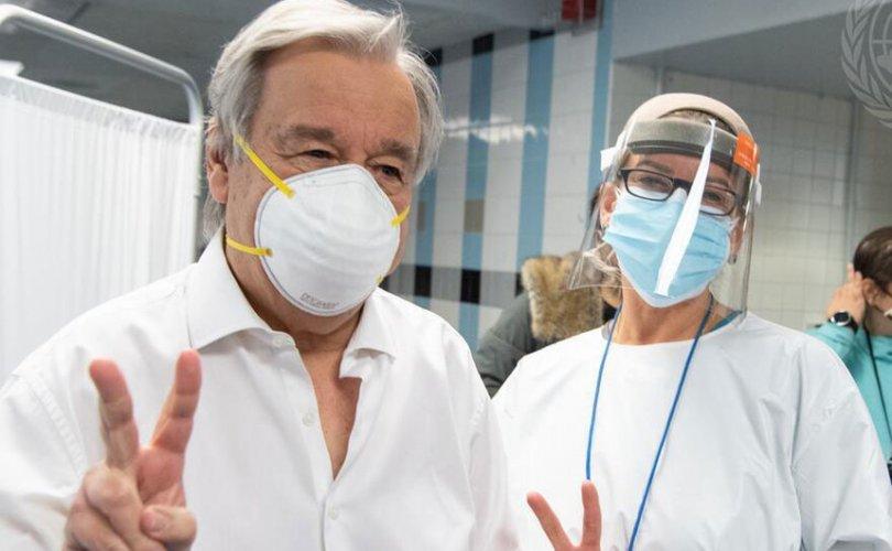 НҮБ-ын Ерөнхий нарийн бичгийн дарга Covid-19-ийн эсрэг вакцин хийлгэжээ