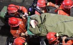 600 метрийн гүнд гацсан уурхайчдын 11 нь аврагдлаа
