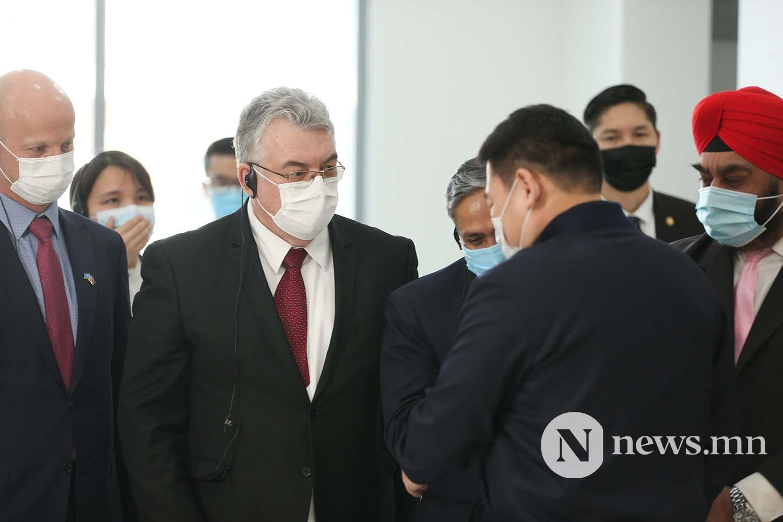Л.Оюун-Эрдэнэ Монгол Улсын Ерөнхий сайд вакцин (10)