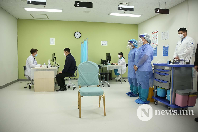 Л.Оюун-Эрдэнэ Монгол Улсын Ерөнхий сайд вакцин (13)